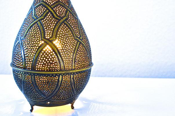 Ägyptische Messinglampe mit Standfuß in Kegelform - CASAORIENT Stuttgart