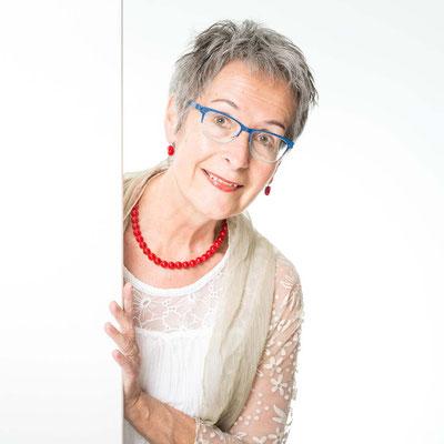 Monica Kobel, Alt