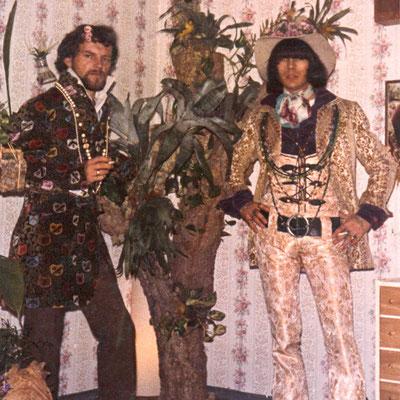 """Der Hanauer Kult-Autor, Maler und Rock-Veteran Helmut Wenske (links) und Adam von """"Adam & Eve"""" (rechts)"""