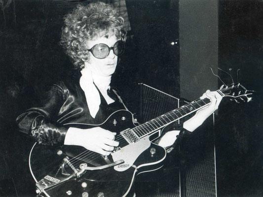 "Leslie Link (Gitarrist der Hanauer Beat- / Psychedelic-Band ""Orange Peel"")"