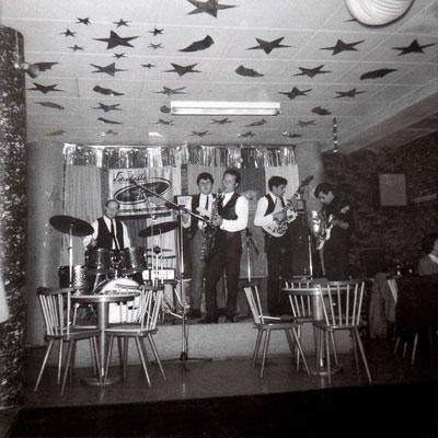 """Unbekannte Band in der Hanauer """"Moonlite-Bar"""" (Krämerstraße)"""