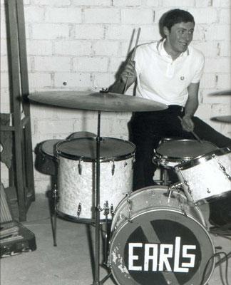 "Schlagzeuger der Hanauer Beat-Band ""The Earls"""