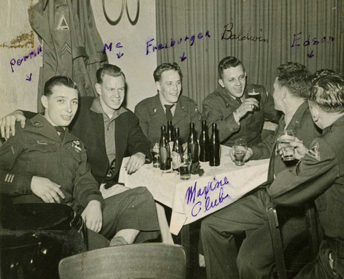 "Amerikanische GIs im Hanauer ""Maxim Club"""