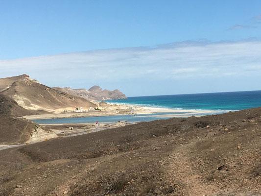 am Strand von Mughsayl ...