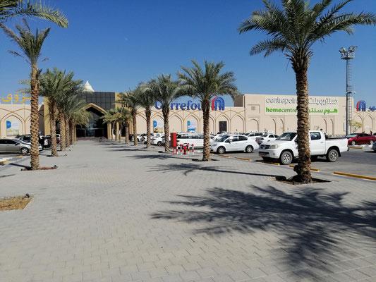 Wieder in der Zivilisation - Carrefour ....