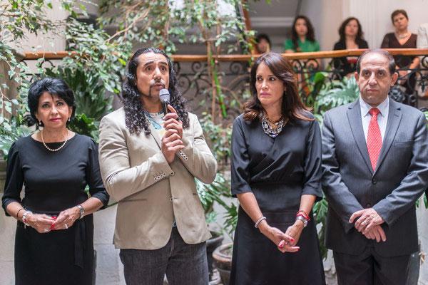 Exposicion para recabar fondos para las familias de bajos recursos en el DIF Estatal de Hidalgo