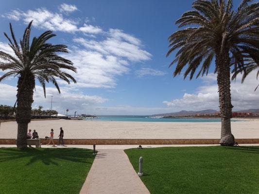 Strandpromenade am Puerto Castillo