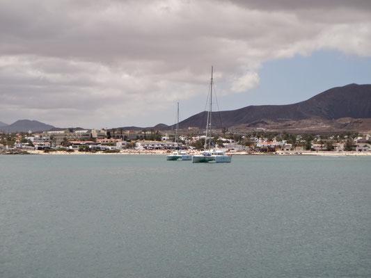 Mit dem Katamaran in Corralejo