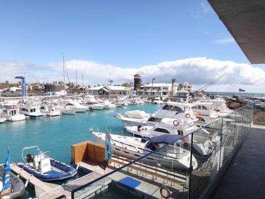 Panoramabar im Hafen von Caleta del Fuste