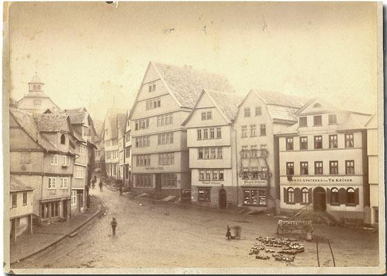 Die Südostseite des Marktplatzes in Homberg (Efze), um 1895, Sammlung Dr. Klaus Lambrecht
