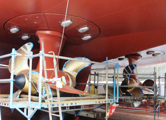 Ostfriesland, Blick auf die neuen Propeller (Foto Dr. Hochhaus)