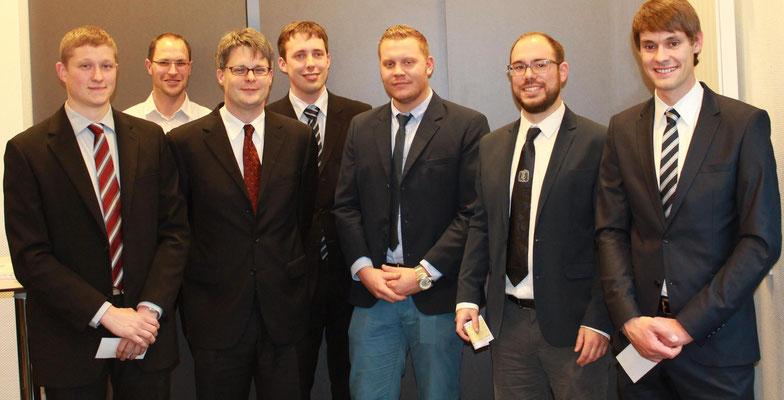 Abbildung 19: Die Studenten  und der FA-Leiter (Foto Dr. Hochhaus)