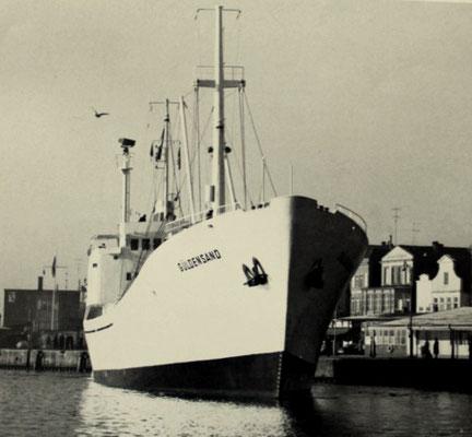 Das Kühlmotorschiff Güldensand war das 15. Schiff der Reederei und wurde 1960 von der Schlichting-Werft abgeliefert (Quelle Harmstorf)