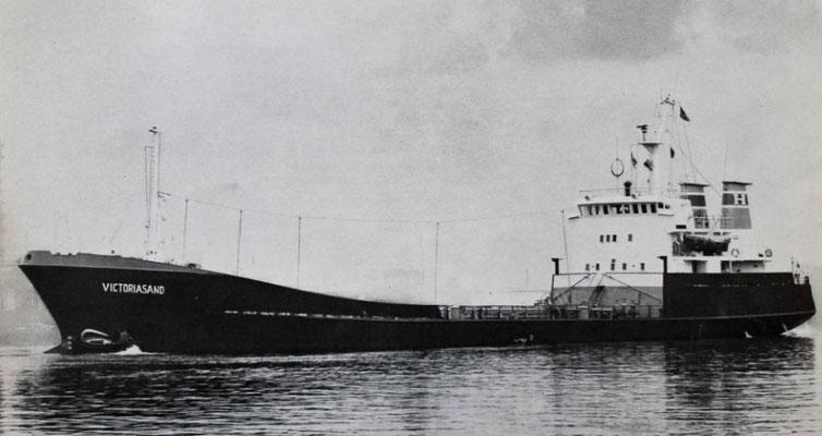 Der Tanker Victoriasand (1.300 BRT) kam 1969 als Schiff Nr. 24 von der Büsumer Werft (Quelle Harmstorf)