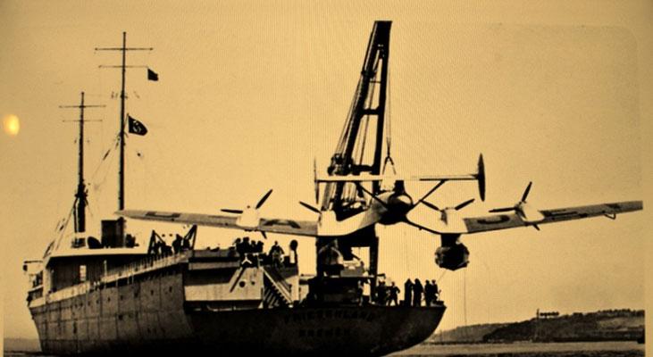 """Abbildung 7:  Katapultschiffe """"Friesenland""""  für die Deutsche Lufthansa 1937 (Quelle Howaldtsewerke)"""
