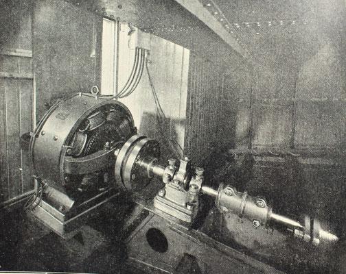 Abbildung 2: 1906, Elektrischer Antriebsmotor für  rund 100 Ziegelkähne in Berlin (Quelle STG Jahrbuch 1908)