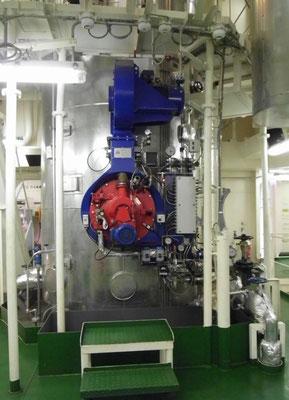 Abbildung 12: Hilfskessel für die Dampfversorgung im Hafen  (Foto Dr. Hochhaus)