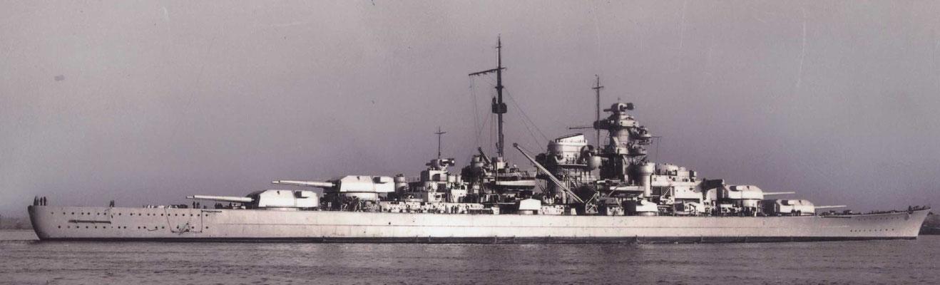 Schlachtschiff BISMARCK, gebaut bei Blohm &Voß in Hamburg und das in Wilhelmshaven gebaute Schwesternschiff TIRPITZ waren die beiden größten, jemals auf deutschen Werften gebauten Kriegsschiffe (Foto B+V)