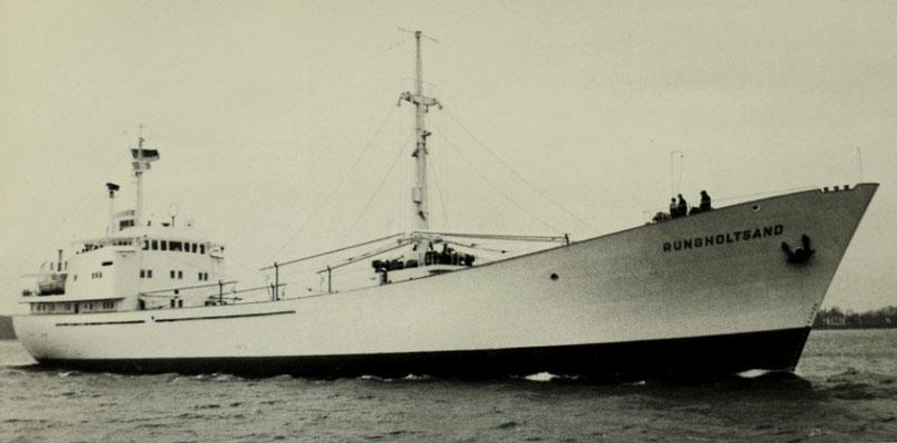 Das Kühlmotorschiff Rungholtsand wurde Ende 1961 von der Schlichting-Werft an die Reederei abgeliefert (Quelle Harmstorf)(