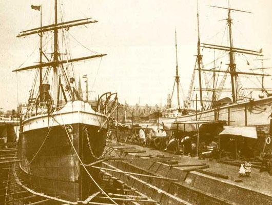 Abbildung 17: Das Trockendock der Hapag in Hamburg mit der BORUSSIA, es wurde 1870 auf dem Grasbrook in Betrieb genommen (Foto Hapag-Lloyd)