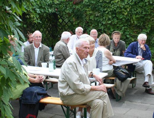 100 Jahre Sass-Saal: In dieser grünen Ecke saßen die älteren Semester (Foto Dr. Hochhaus)