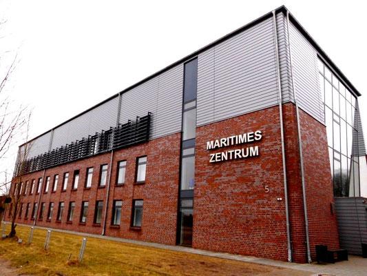 Abbildung 2: Maritimes Zentrum an der FH in Flensburg (Foto Dr. Hochhaus)