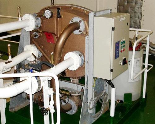 Abbildung 16: Frischwassererzeuger auf einem Frachtschiff (Foto Dr. Hochhaus)