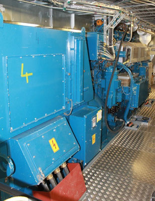 Abbildung 2: Einer der Dual-Fuel-Generatoraggregate (Foto Dr. Hochhaus)