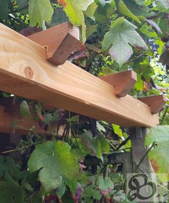 Detail Restaurierte Rankhilfe aus Douglasie wetterfestes Holz für die Außenanwendung - Holzwerk Peter Stoiber