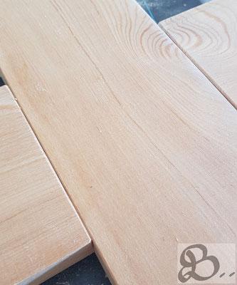 Maserung bei Lärchenholz, wetterfestes Holz für die Außenanwendung - Holzwerk Peter Stoiber