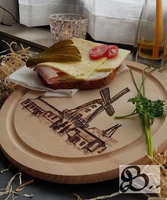 Holzwerk Peter Stoiber - Brandbild - Frühstücksbrettchen mit der Krimhildsmühle aus Xanten