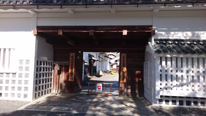 明智門(亀岡亀山城の一部を移築)