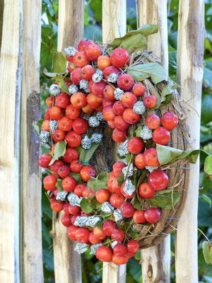 Apfelkranz mit Eucalyptus