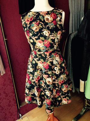 Kleid mit Blumenmuster, hinten oder vorne zu binden