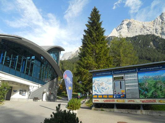 Talstation der Ehrwalder Almbahn (1.108 m); Quelle: holidaycheck.at (15.03.2017)