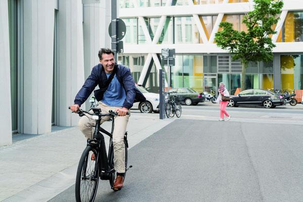 Ergonomisches City e-Bike Zubehör in den e-motion e-Bike Shops finden