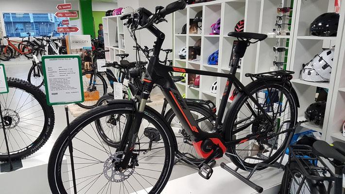 KTM e-Bikes mit Bosch-Powertube-Akku
