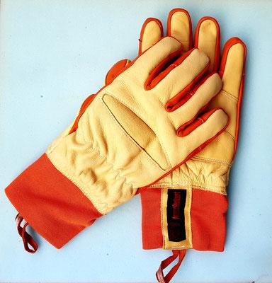 Brandschutzhandschuhe überlappend