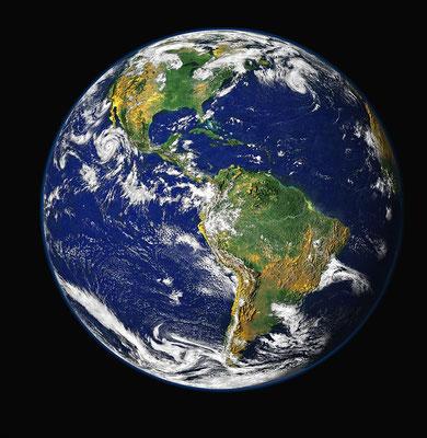 « C'est lui qui a fait la terre par sa puissance. Il a fondé le monde par sa sagesse, il a déployé le ciel par son intelligence. » « Tes œuvres sont prodigieuses, et mon âme le sait parfaitement. »