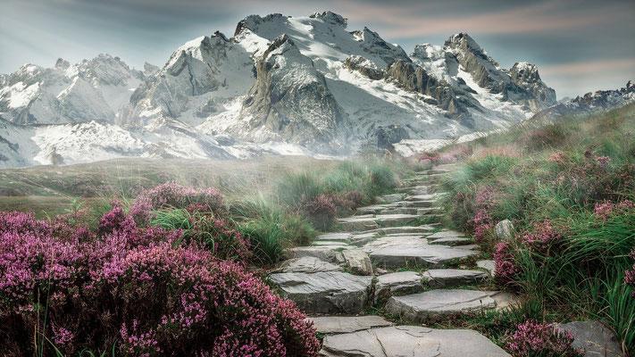 La Montagne est une importante élévation de terrain ou une région de haute altitude. Du fait de son altitude, la montagne est associée à une position élevée et honorable, à l'autorité… Elle représente parfois l'orgueil des puissants de ce monde.