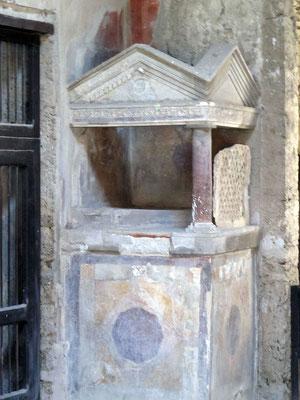 autel domestique culte des lares et pénates