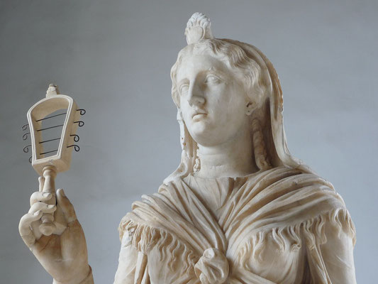 L'empire romain a adopté la déesse égyptienne Isis. Les chrétiens se trouvaient dans un environnement polythéiste.