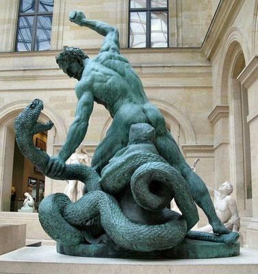 La croyance aux enfers est omniprésente également. Plusieurs légendes décrivent certains dieux comme des tueurs de serpents. Hercule / Héraclès combattant Achéloüs métamorphosé en serpent, mythologie grecque et romaine - Louvre.