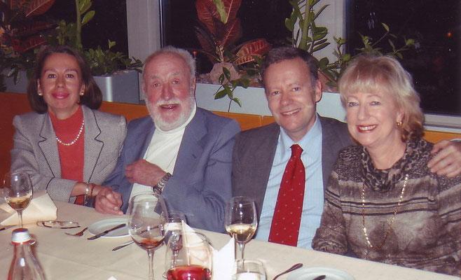 Joachim Tettenborn beim 85. Geburtstag mit seinen Kindern Sabine, Alexander und Christina Werner (v.l.)