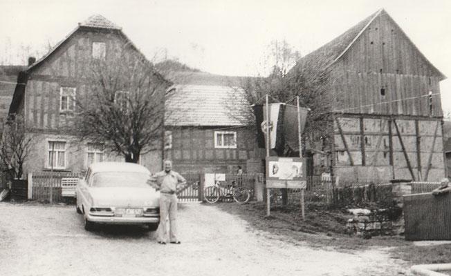 1975 besucht Tettenborn sein Geburtshaus in Ottendorf