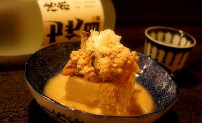 じっくりと味をしみ込ませた鱈子豆腐