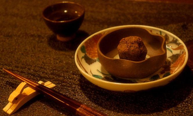秋刀魚の肝とガーリックを使った珍味