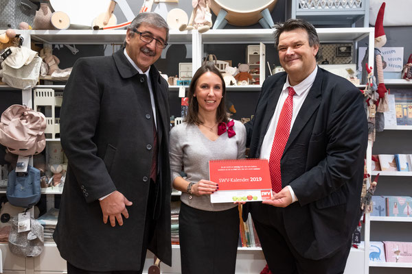 Besuch bei Tausendschön: Christine Beikircher mit SWV-Präsident Karlheinz Winkler und SWV-Vizepräsident Fardin Tabrizi. Foto: Michael Schnabl