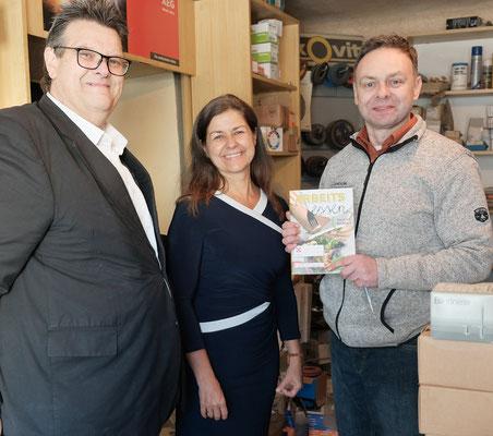 Landesrätin Doris Kampus und SWV-Vorsitzender Karlheinz Winkler mit Peter Gerhard (Technischer Großhandel Gerhard & Färber)