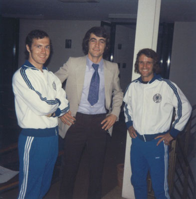 Gruppenfoto: Beckenbauer, Thiess, Overath